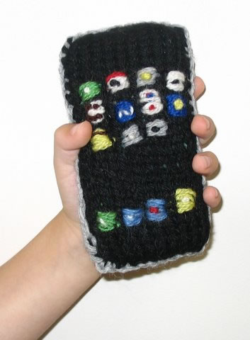 Hand-knit iPhone creating by Greg at DaddyTypes.com's mom